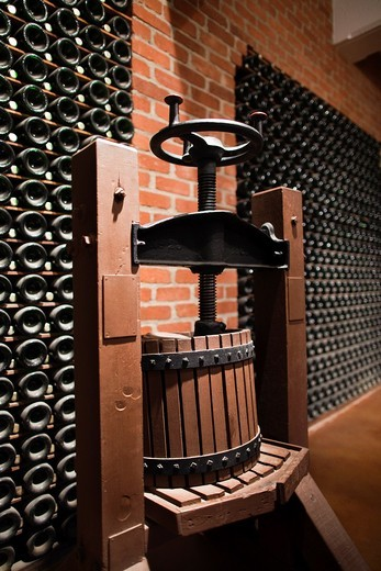 USA, California, Northern California, Russian River Wine Country, Korbel, Korbel Champagne Winery, early 20th century wine press : Stock Photo