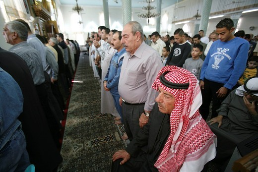 Stock Photo: 1566-818251 Mosque on friday in Amman, Jordan