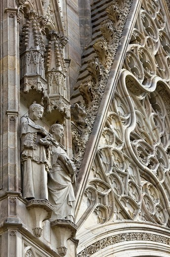 Stock Photo: 1566-818965 Detail of the sculptures of the main entrance of the neo-Gothic Cathedral of Barcelona - Catalonia - Catalonia - Cataluña - Spain