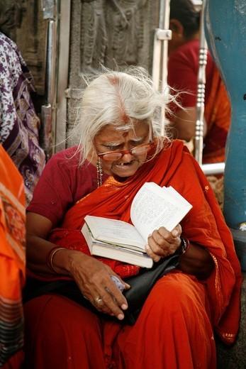Devotee reading  Chennai, Tamil Nadu, India, Asia : Stock Photo