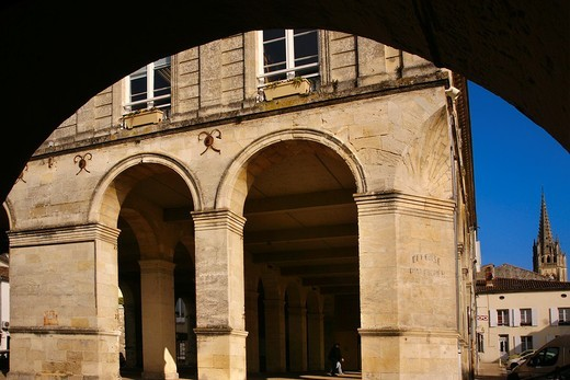 Stock Photo: 1566-820127 Market hall and church tower at Cadillac, Gironde, Aquitaine, France