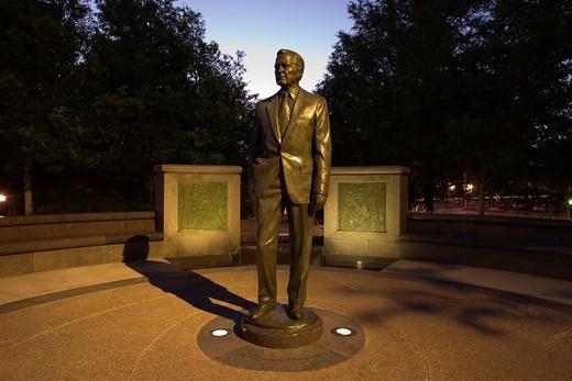 STATUE BUSH MONUMENT SESQUICENTENNIAL PARK HOUSTON TEXAS USA : Stock Photo
