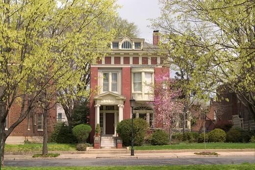 Stock Photo: 1566-823475 House on Monument Avenue, a National Historic Landmark, Richmond, Virginia