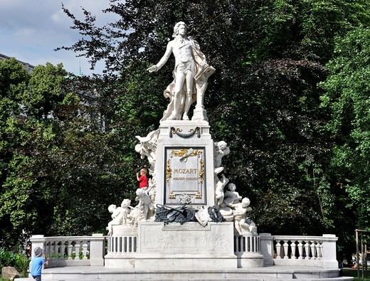 Mozart statue in the Burggarten castle garden, Vienna, Austria, Europe : Stock Photo