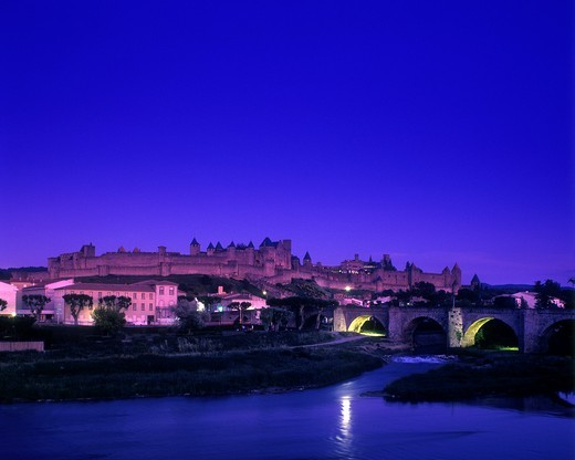 Stock Photo: 1566-824621 AUDE RIVER CHATEAU COMTAL LA CITE CARCASSONNE AUDE FRANCE