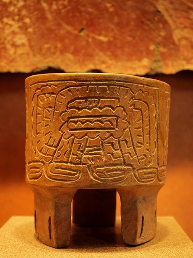 Tripod vessel, Anthropology National Museum, Mexico City : Stock Photo