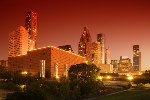 Stock Photo: 1566-828987 SESQUICENTENNIAL PARK DOWNTOWN SKYLINE HOUSTON TEXAS USA
