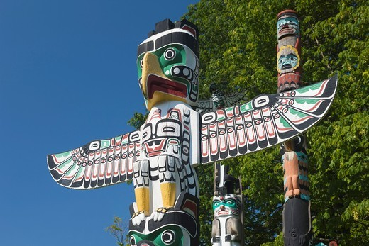 Stock Photo: 1566-829094 GROUP OF TOTEM POLES TOTEM PARK BROCKTON POINT STANLEY PARK VANCOUVER BRITISH COLUMBIA CANADA