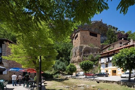 Castle, Orbaneja del Castillo, burgos province, Castilla-León, Castille-Leon, Spain : Stock Photo