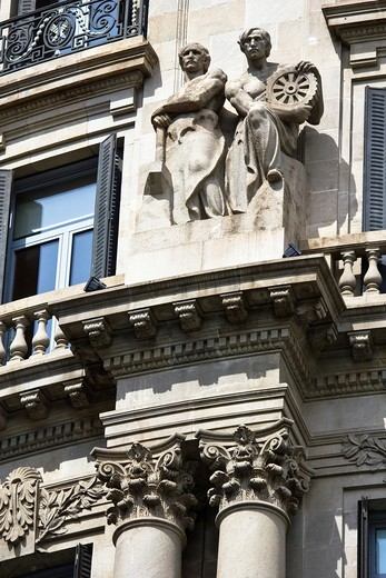 Allegory of the industry, building sculptural group ´The Union and the Phoenix,´ monumental style, on the Paseo de Gracia - Barcelona - Catalonia - Spain - Europe : Stock Photo