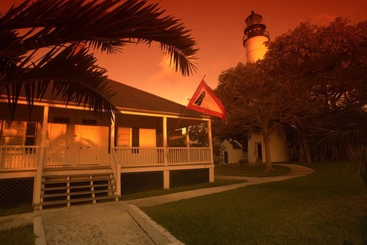 Stock Photo: 1566-833009 KEEPERS QUARTERS AND LIGHTHOUSE KEY WEST OLD TOWN HISTORIC DISTRICT FLORIDA USA