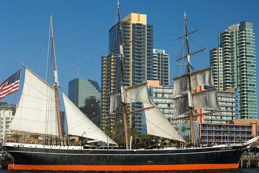 STAR OF INDIA TALL SHIP MARITIME MUSEUM DOWNTOWN SKYLINE SAN DIEGO CALIFORNIA USA : Stock Photo