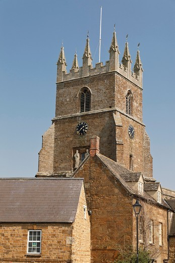 Stock Photo: 1566-836335 View of the church of St Peter and St Paul in the north Oxfordshire village of Deddington, England, UK
