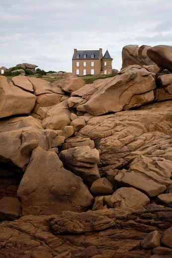 A small Chateau castle near the lighthouse Ploumanac´h  Perros-Guirec, Cotes d´Armor, Brittany, France, Europe : Stock Photo