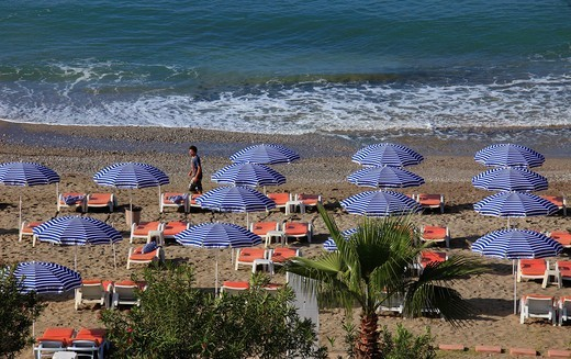 Stock Photo: 1566-836445 Turkey, Alanya, beach, umbrellas, waves,