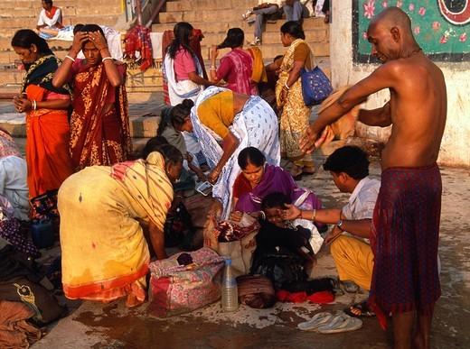 Stock Photo: 1566-836537 India, Uttar Pradesh, Varanasi, people on the ghats,