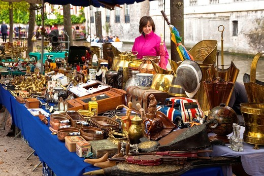 Antiques Market, Bruges, Brugge, Flanders,Belgium, UNESCO World Heritage Site. : Stock Photo