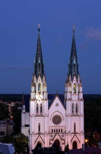 Stock Photo: 1566-839286 CATHEDRAL OF SAINT JOHN THE BAPTIST SKYLINE SAVANNAH GEORGIA USA