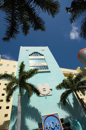 ART DECO STYLE BUILDING WASHINGTON AVENUE SOUTH BEACH MIAMI BEACH FLORIDA USA : Stock Photo