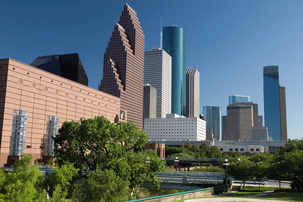 Stock Photo: 1566-839905 SESQUICENTENNIAL PARK DOWNTOWN SKYLINE HOUSTON TEXAS USA