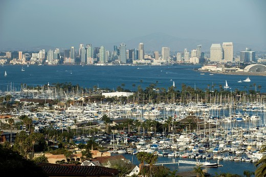 Stock Photo: 1566-840396 SHELTER ISLAND YACHT CLUB SAN DIEGO SKYLINE CALIFORNIA USA
