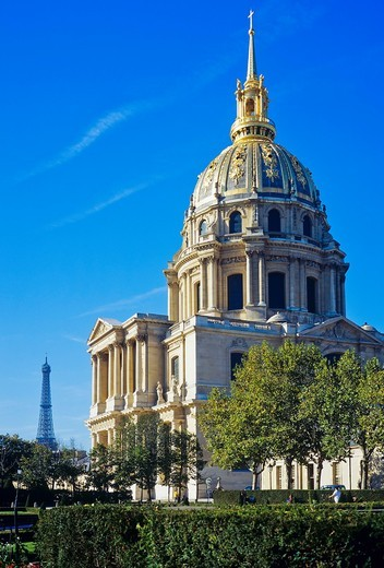 ´Eglise du Dôme´ church of ´Hôtel des Invalides´, Tour Eiffel Paris, France : Stock Photo