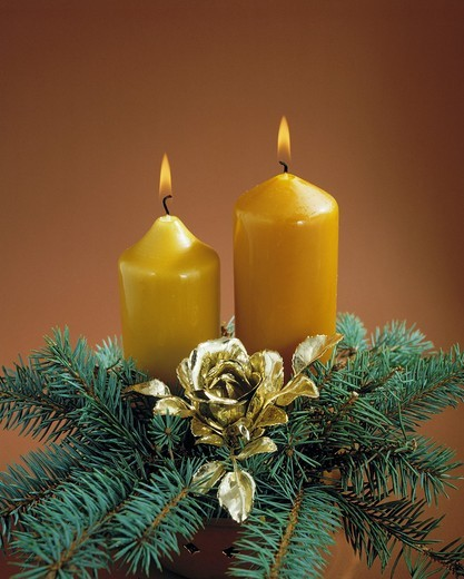 Stock Photo: 1566-840968 religion, Christianity, feast, festive season, Christmas, Christmas decoration, Christmas floral arrangement, candles, fir branches
