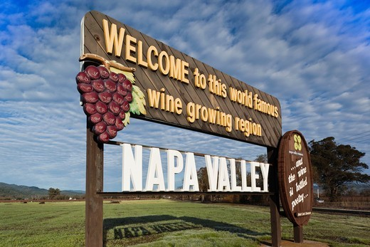 Stock Photo: 1566-841834 USA, California, Northern California, Napa Valley Wine Country, Napa, Welcome to Napa Valley sign