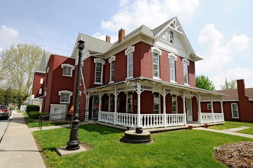 Stock Photo: 1566-844064 James Byron Dean Boyhood hometown and museum Fairmount Indiana IN