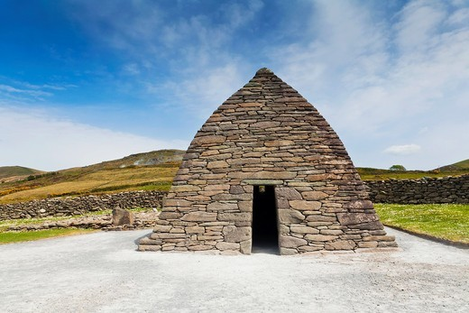 Gallarus Oratory on the Dingle Peninsula, County Kerry, Ireland, Europe : Stock Photo