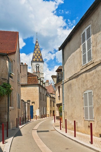 Narrow lane and the church of Saint Denis in Nuits-Saint-Georges, Burgundy, France, Europe : Stock Photo