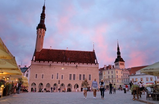 Stock Photo: 1566-851770 Medieval town hall in Town Hall Square,at right belltower of St Nicholas church,Tallinn,Estonia