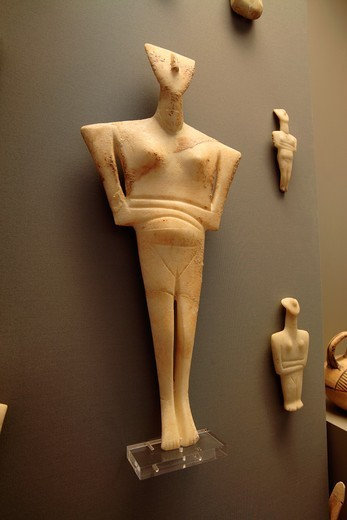 Early Cycladic statues from 2800-2300 BC Found in Sifnos, National Archaeological Museum, Athens, Greece : Stock Photo