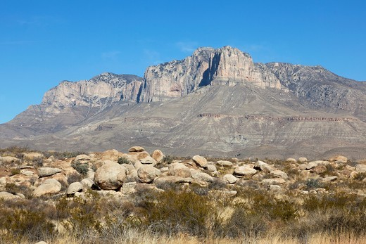 El Capitan peak in the Guadalupe Mountains of West Texas with large boulders in front, Usa : Stock Photo