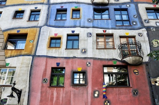Stock Photo: 1566-856637 Colorful façade of the Hundertwasser House built 1979-85 Vienna, Austria, Europe