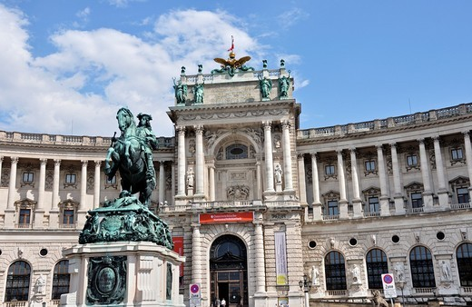 Equestrian statue of Prince Eugene in front of the Hofburg Imperial Palace, Vienna, Austria, Europe : Stock Photo