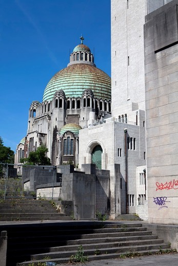Basilica Sacré Coeur et Notre Dame de Lourdes and the Memorial Interallié, memorial for the victims of the World Wars, Liège, Wallonia, Belgium, Europe : Stock Photo