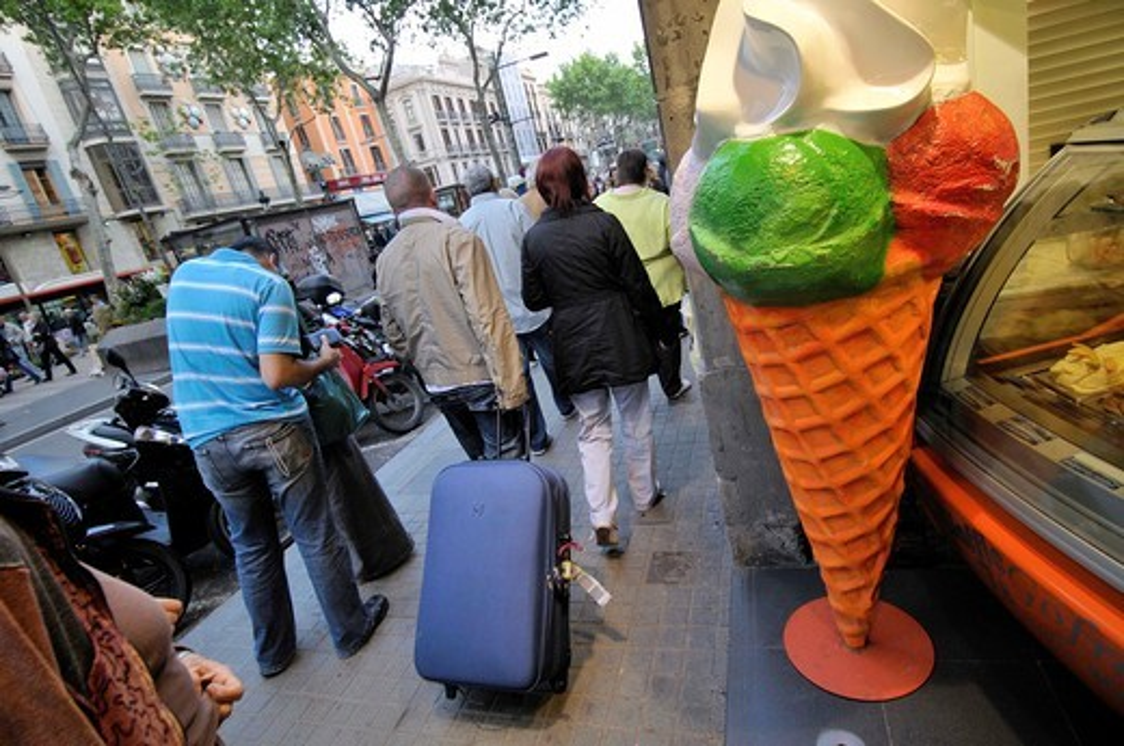 Ice cream shop, La Rambla, Barcelona, Catalonia, Spain : Stock Photo