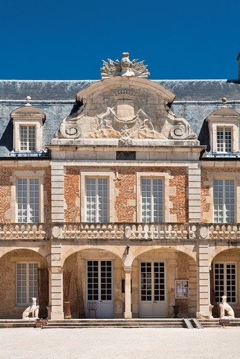 Stock Photo: 1566-864378 The picturesque castle of Pierre-de-Bresse, Burgundy, France, Europe