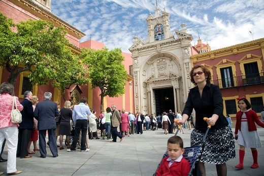 Queue of people waiting to worship Jesus del Gran Poder on Palm Sunday, Seville, Spain : Stock Photo