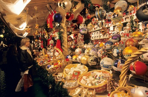 Stock Photo: 1566-868281 Christmas balls stand, Christmas market, PLace St Louis, Metz, Lorraine region, France