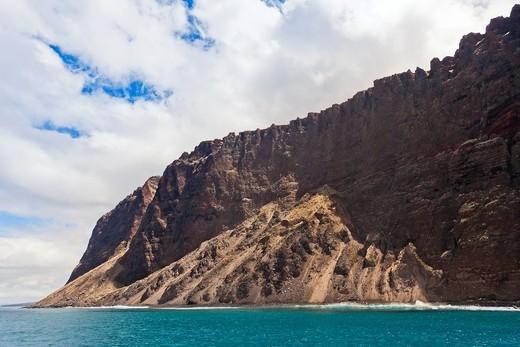 Kaholo Pali sea cliff , 194 feet 59 13m high, South Lana'i, Lana'i aka Pineapple Island because of its past as an island-wide pineapple plantation of Dole, the sixth-largest island of the Hawaiian Islands, Hawaii, USA, Pacific Ocean : Stock Photo