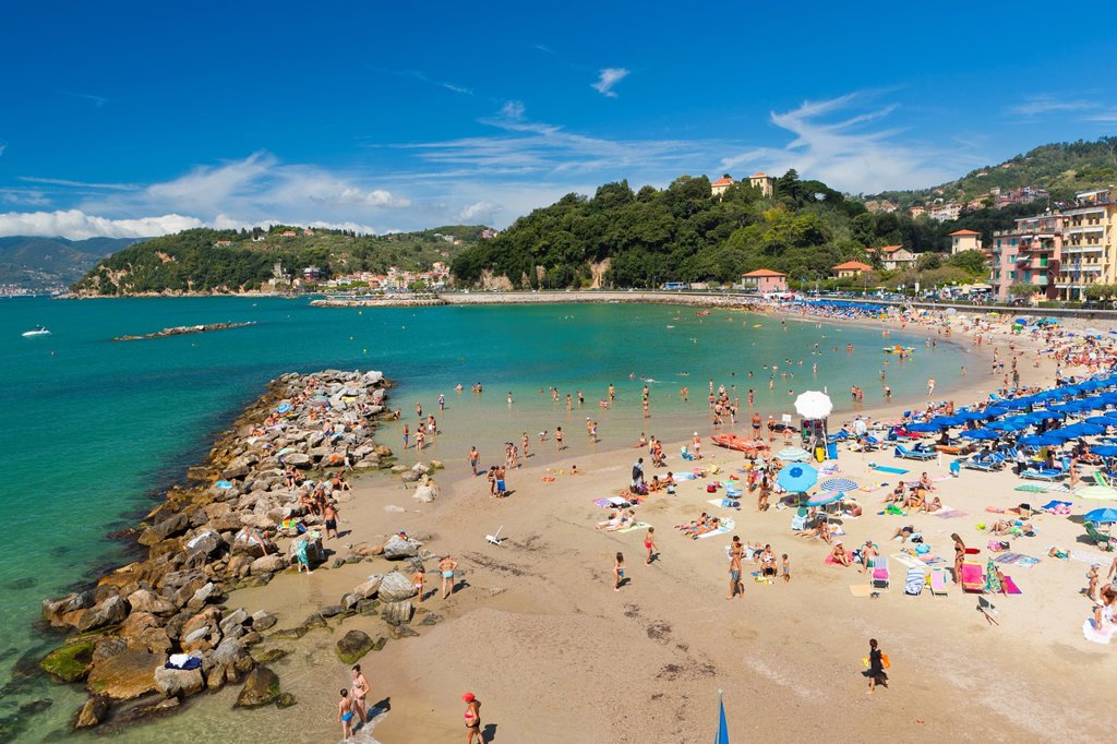 Stock Photo: 1566-870867 Tourists on the beach, Lerici, Province of La Spezia, Liguria, Italy, Europe