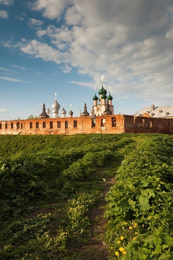 Russia, Yaroslavl Oblast, Golden Ring, Rostov-Veliky, Rostov Kremlin, sunset : Stock Photo