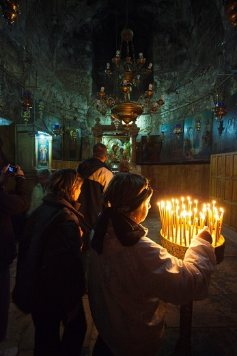 Stock Photo: 1566-872384 Israel, Jerusalem, Mount of Olives, Tomb of the Virgin Mary, visitors, NR