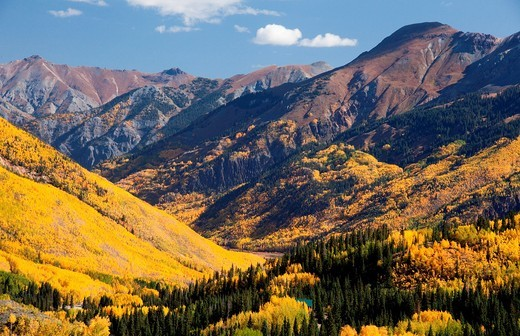 A grand scenic of the Rocky Mountains in autumn : Stock Photo