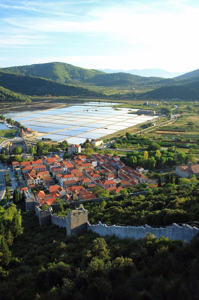 Stock Photo: 1566-877761 Town of Ston known for salt production, salt pans in the background, Peljesac peninsula, Croatia