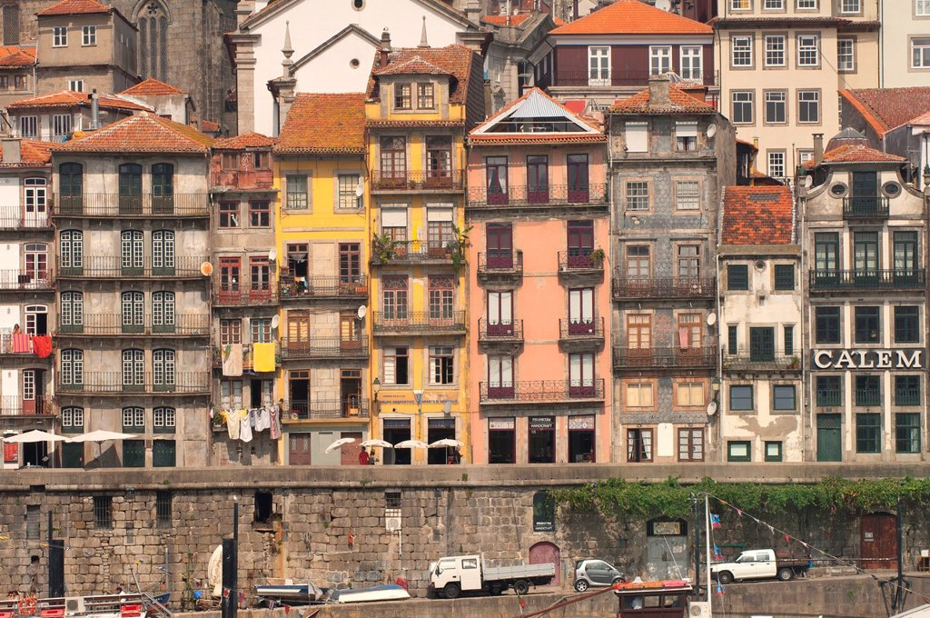 Stock Photo: 1566-880057 Ribeira district, Porto, Portugal, Unesco World Heritage Site