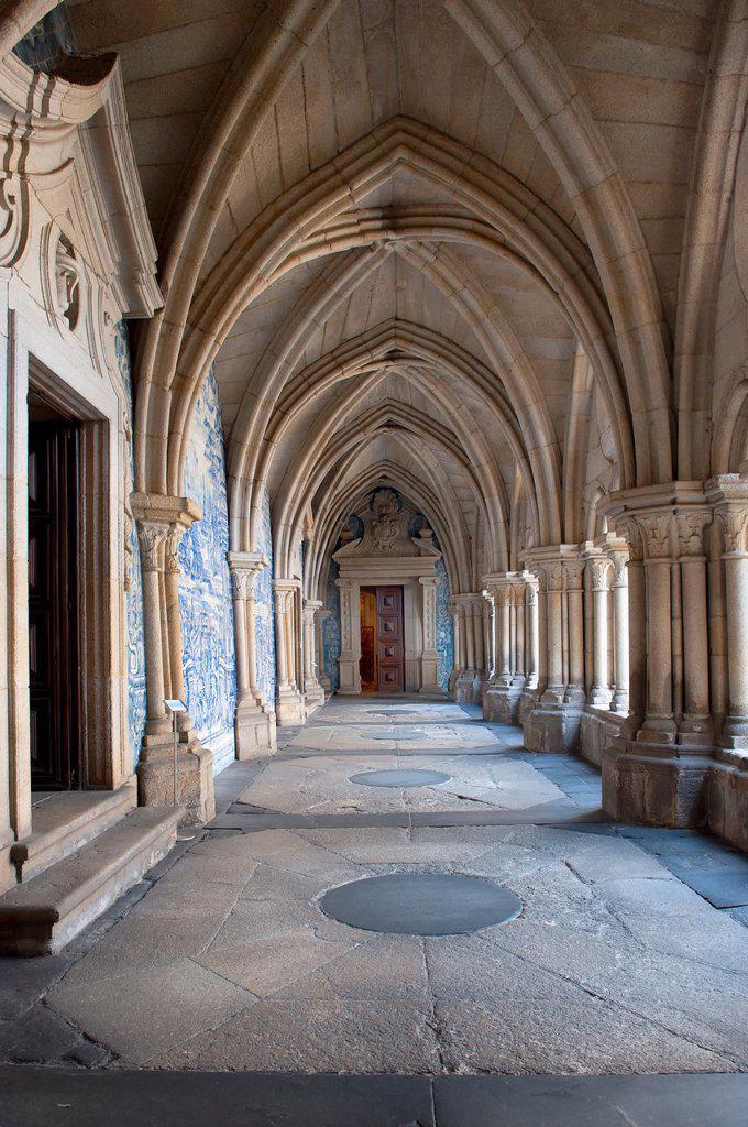 Stock Photo: 1566-880061 Da Sé Cathedral, Azulejos of the Gothic cloister, Barredo district, Porto, Portugal, Unesco World Heritage Site