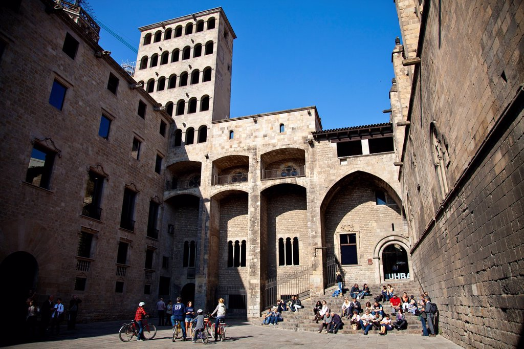 Stock Photo: 1566-881083 Plaza del Rei and Lieutenant´s Palace courtyard, Archive of the Crown of Aragon, Aragon Crown Archives, Barcelona, Catalonia, Spain